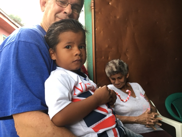 Making new friends in San Pedro Sula